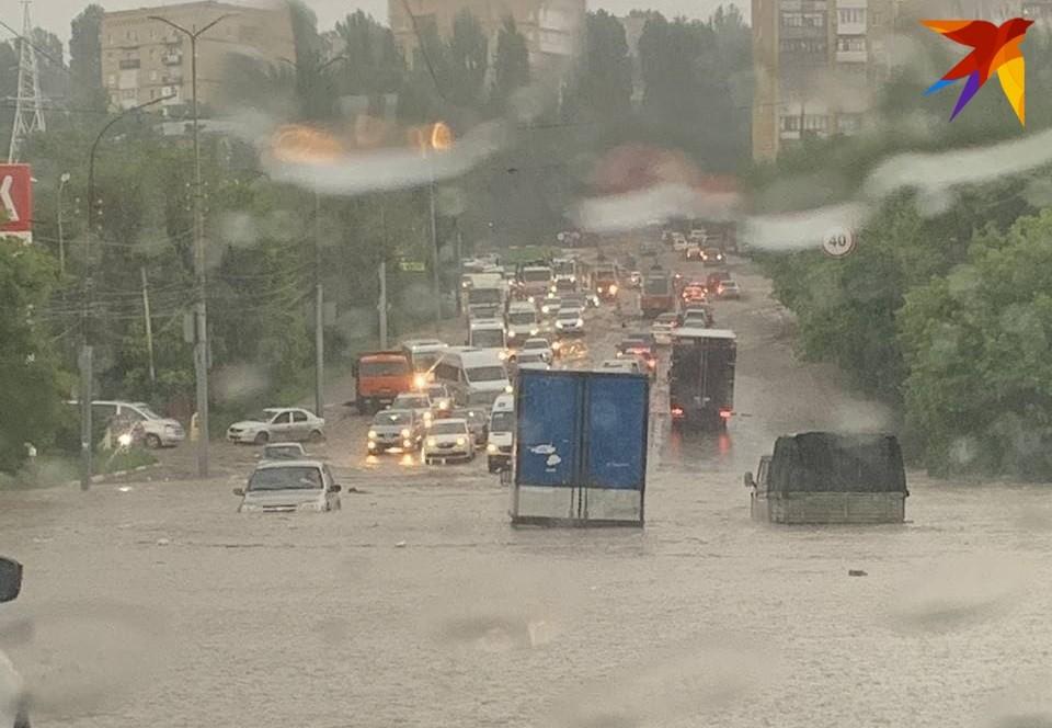 Местами Саратов ушел под воду
