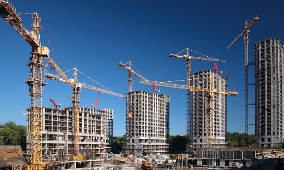 Сейчас очередь на получение жилья в столице превышает 48 тысяч человек.