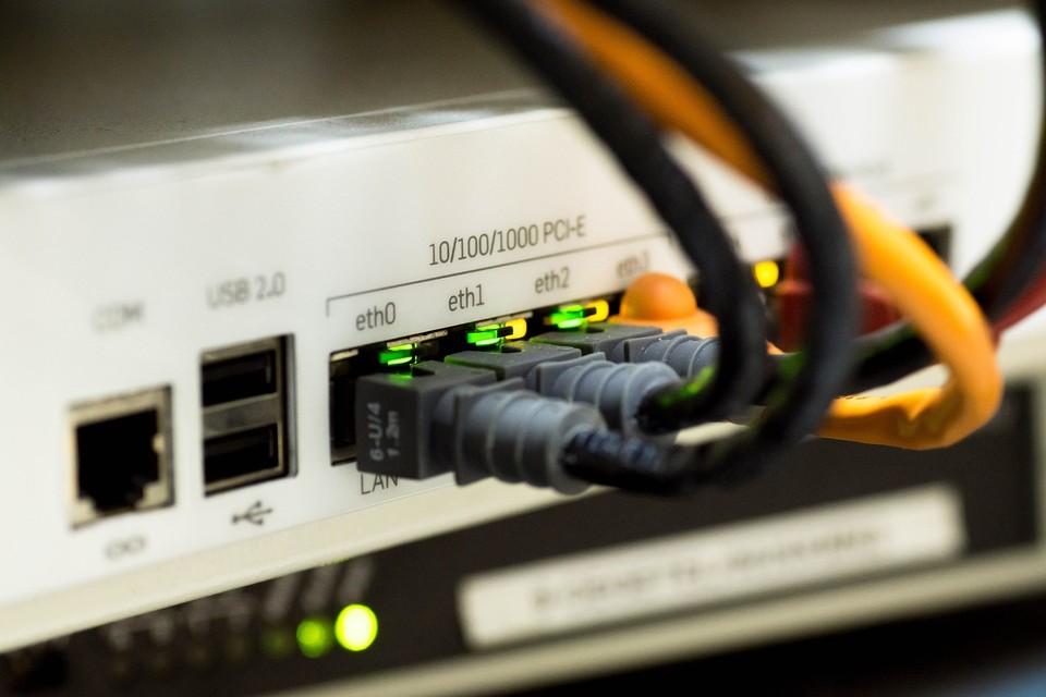 В двух крупнейших города Казахстана временно пропал доступ в интернет