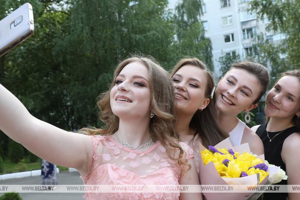 В белорусских школах 10 июня пройдут выпускные вечера. Фото: БелТА