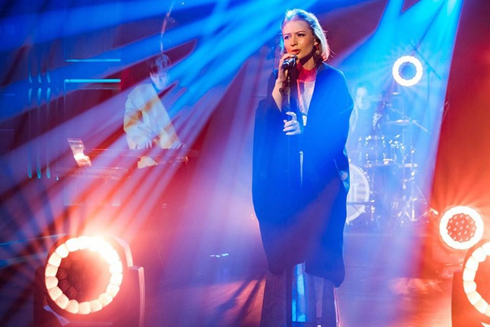 Студентка Мининского университета Елизавета Майер стала музыкальным гостем программы «Вечерний Ургант» на Первом канале