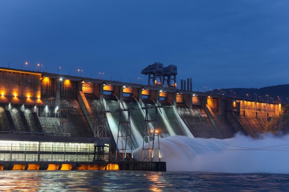 График сброса воды на Красноярской ГЭС 12-16 июня 2021: увеличится ли водосброс в Енисей