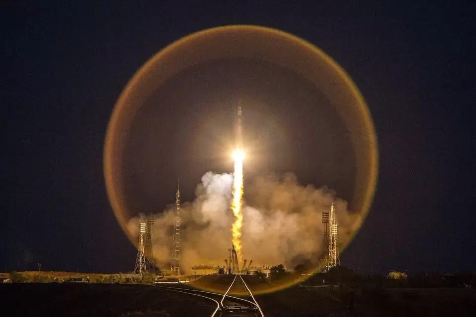 Первый экипаж вошел на китайскую орбитальную станцию «Тяньгун»