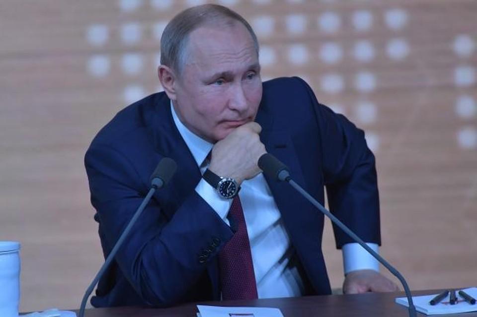 Путин анонсировал введение единого базового оклада для медработников всех регионов России