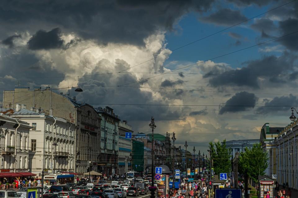 Кратковременные грозы придут в Петербург 9 июля