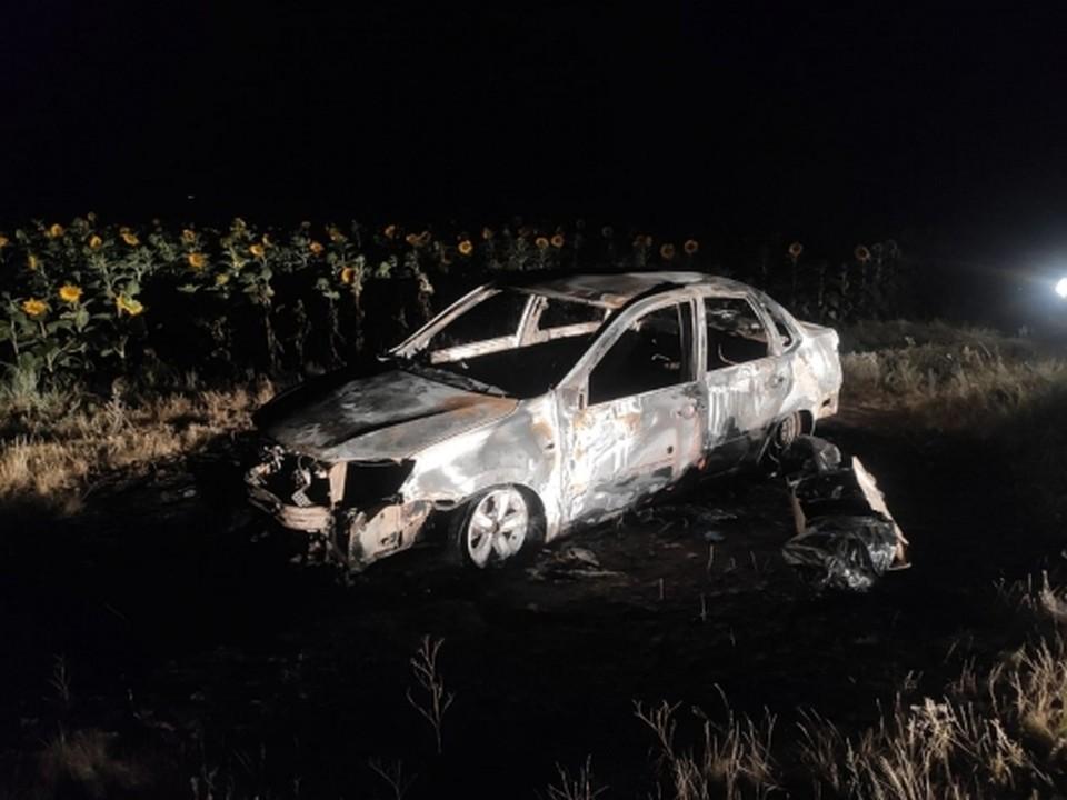 Тело мужчины нашли в сгоревшей машине на проселочной дороге