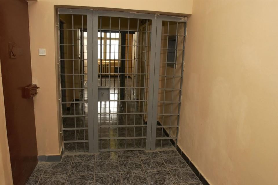 Заключенный избил сотрудника СИЗО.