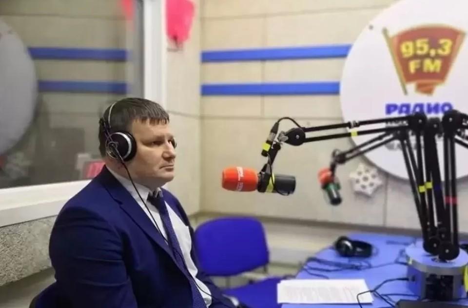 """Дмитрий Федечкин в студии радио """"Комсомольская правда"""" (95,3 FM в Челябинске)"""