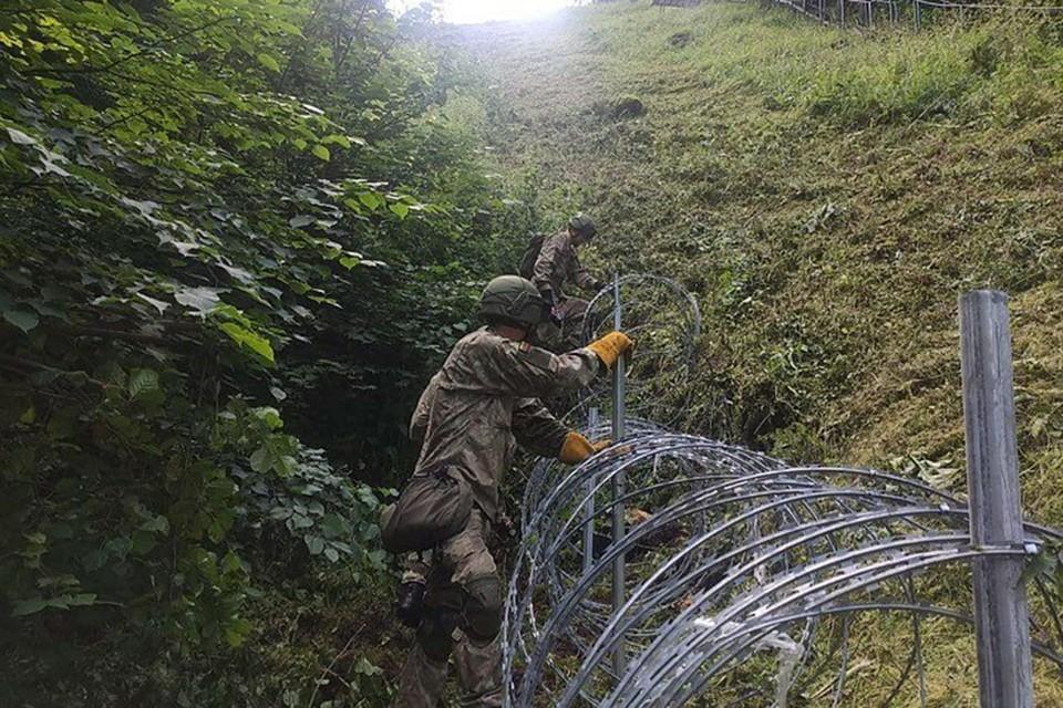 Литва начала строить забор на границе с Беларусью. Фото: lrt.lt