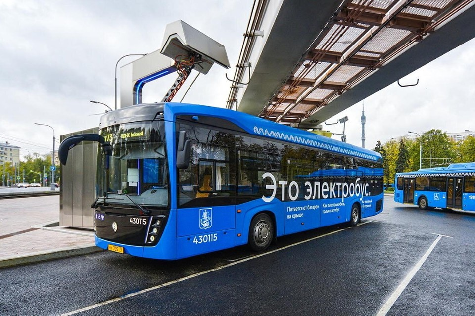 В июне 2021 года московский парк электробусов достиг 650 машин. Фото: Е. Самарина / Mos.ru