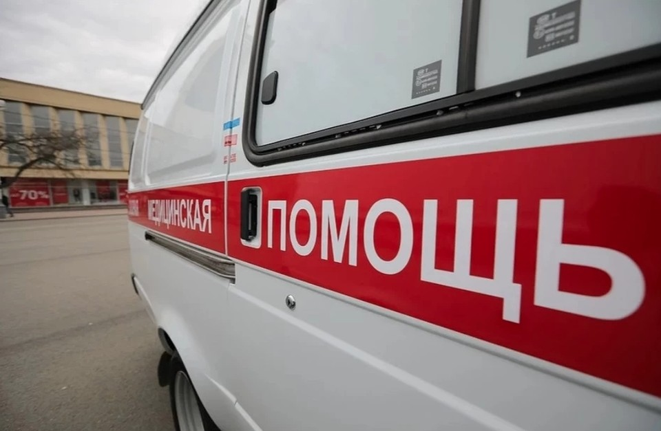 Травмированную женщину передали медикам. Фото: архив «КП»-Севастополь»