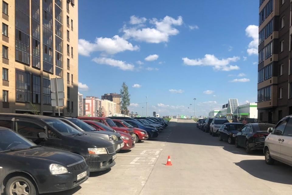 ДТП произошло во дворе новостройки. Фото: предоставлено отделом пропаганды ГИБДД по Новосибирску