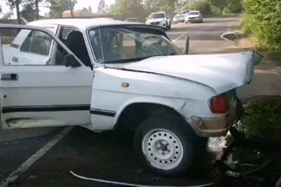 """62-летний водитель """"Волги"""" погиб после лобового столкновения с иномаркой в Братском районе"""