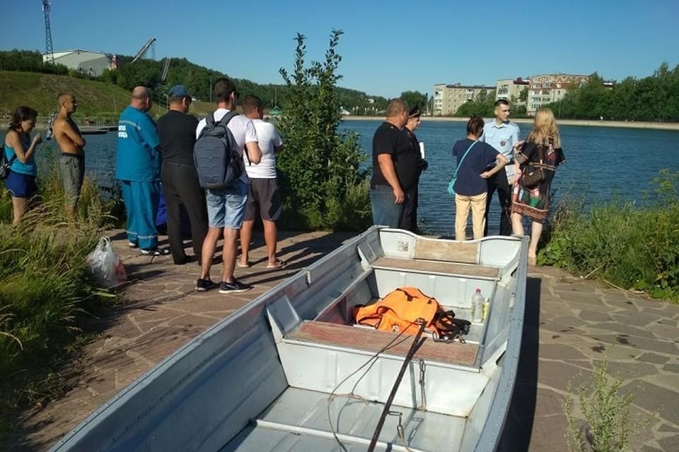 В Лениногорске на местном озере утонул мужчина.