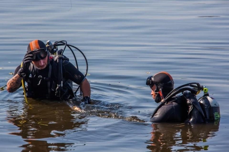В Смоленском районе спасатели подняли тело утонувшего из реки Днепр. Фото: ГУ МЧС России по Смоленской области.