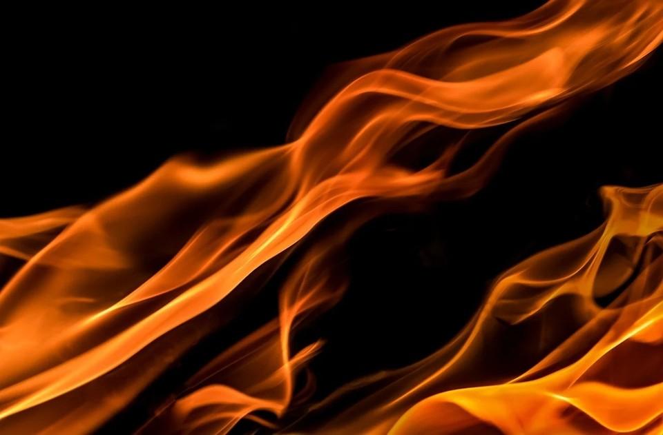 На базе отдыха в Астраханской области произошёл пожар
