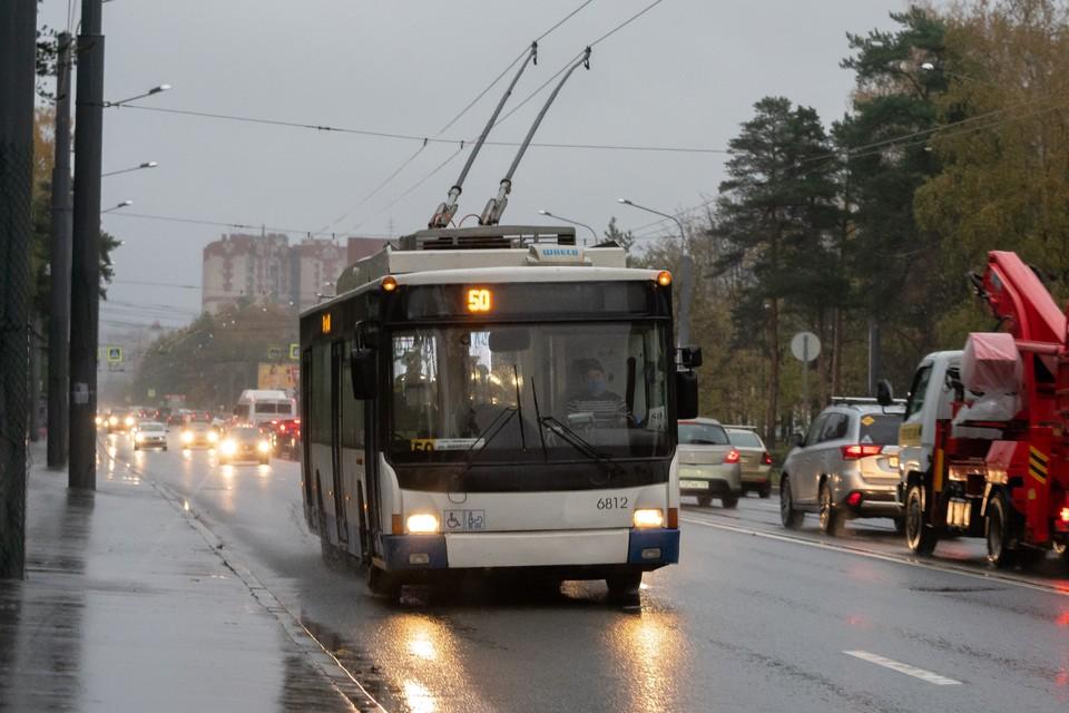 Репетиция Военно-морского парада в Петербурге изменит маршруты троллейбусов