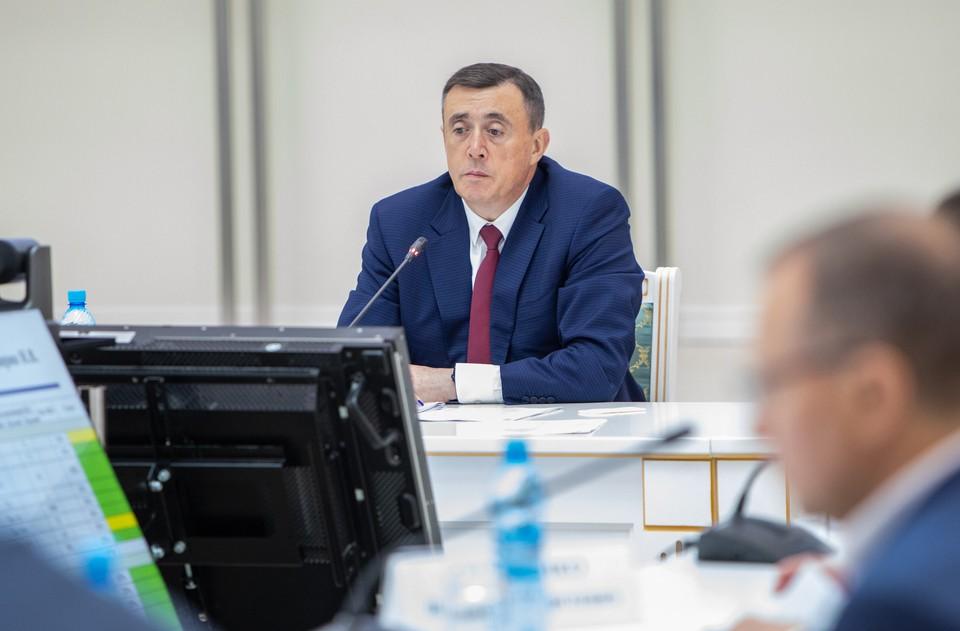 Губернатор Валерий Лимаренко поручил создать на островах конкурентоспособную образовательную систему