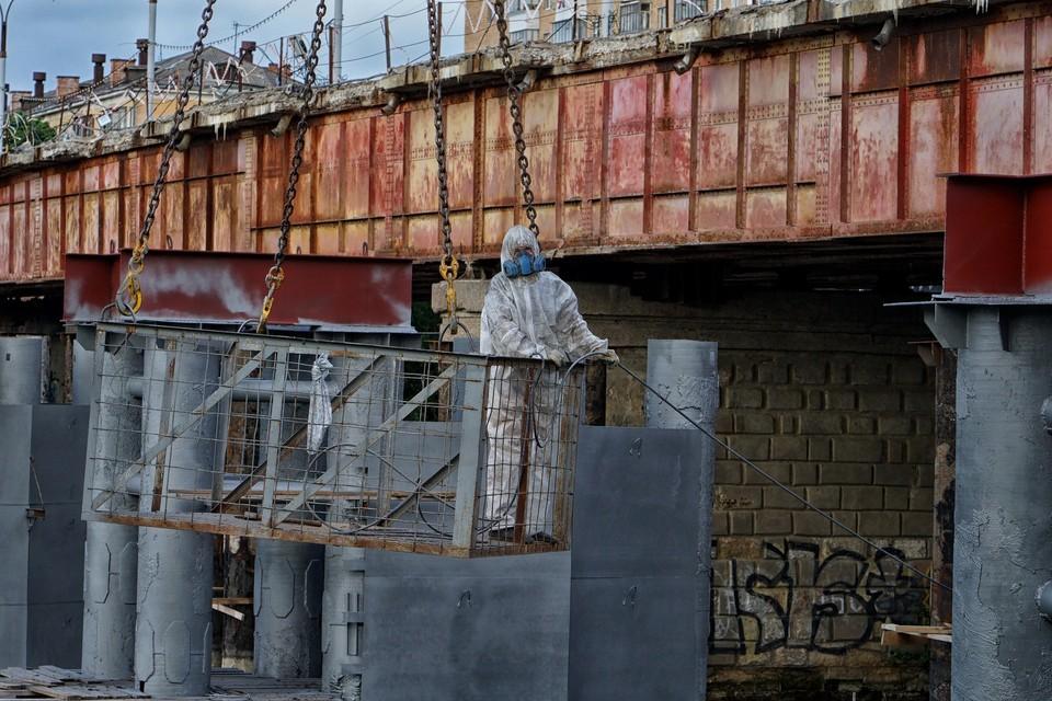 На Красном мосту в Орле увеличат количество рабочих