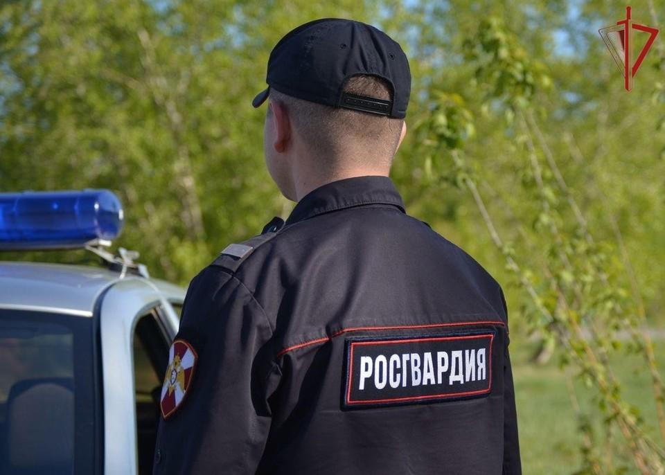 Подозреваемого задержали росгвардейцы. Фото: пресс-служба Росгвардии
