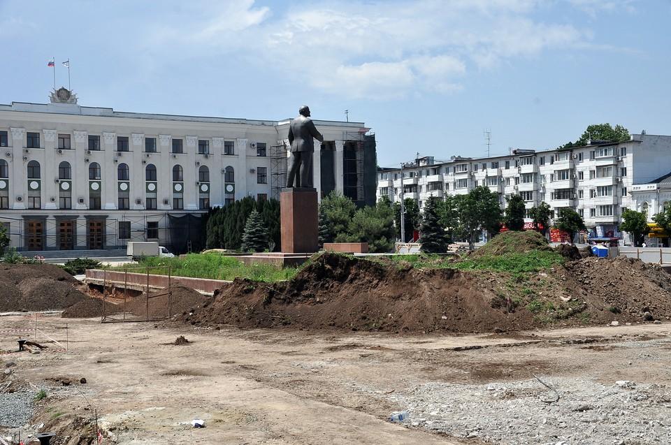Сейчас в крымской столице идет благоустройство 5 общественных территорий
