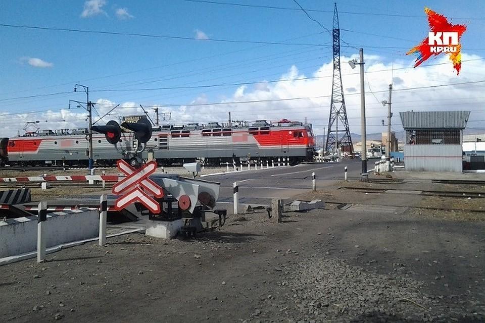 На Брянск-Льговской дистанции путей 15 и 16 июля перекроют железнодорожный переезд400 км пк 3 станции Синезерки.