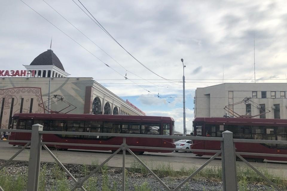 Движение трамваев в Казани остановлено из-за подтопления улиц города