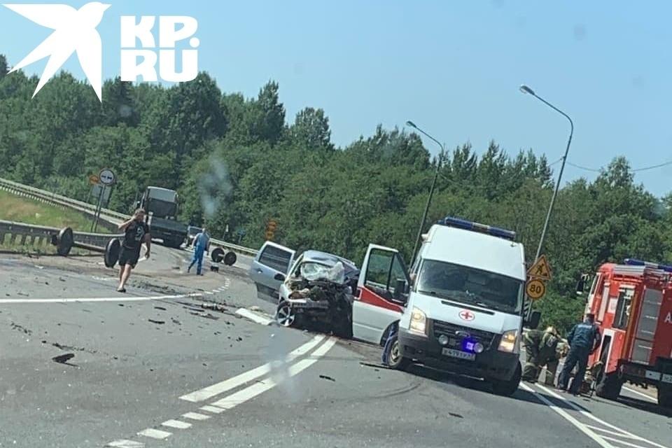 """Два человека погибли в ДТП под Пикалево. Фото: предоставлено """"КП-Петербург"""" очевидцами."""