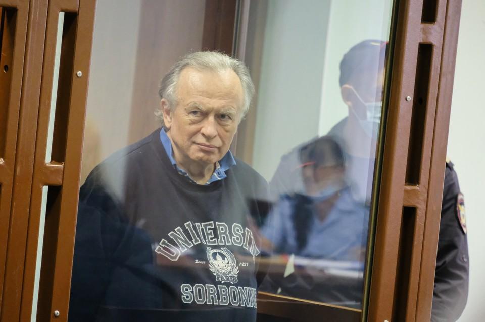 Приговор Олегу Соколову был вынесен еще в декабре прошлого года, но в силу до сих пор не вступил.