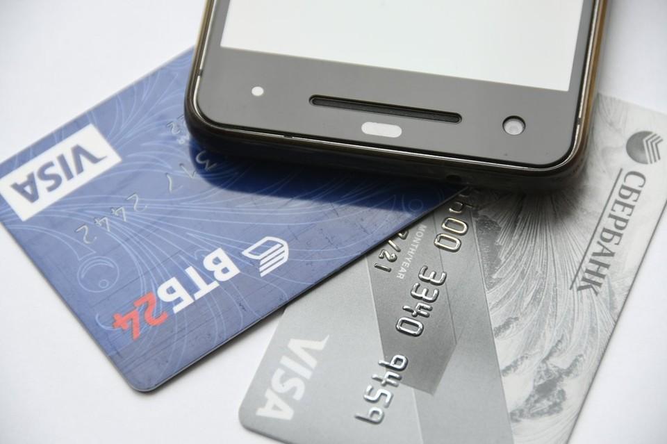 В Туле местный житель украл в баре телефон и банковскую карту