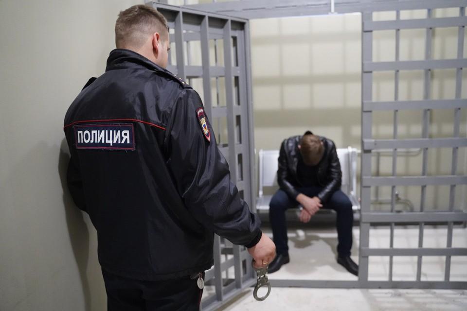 Преступника отправили в колонию на 2,5 года за издевательство над ребенком