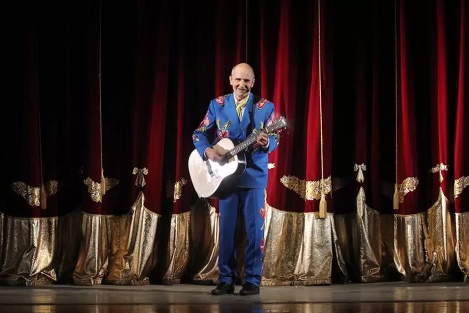 В первый раз Петр Мамонов выступил в Челябинске в 2013 году.