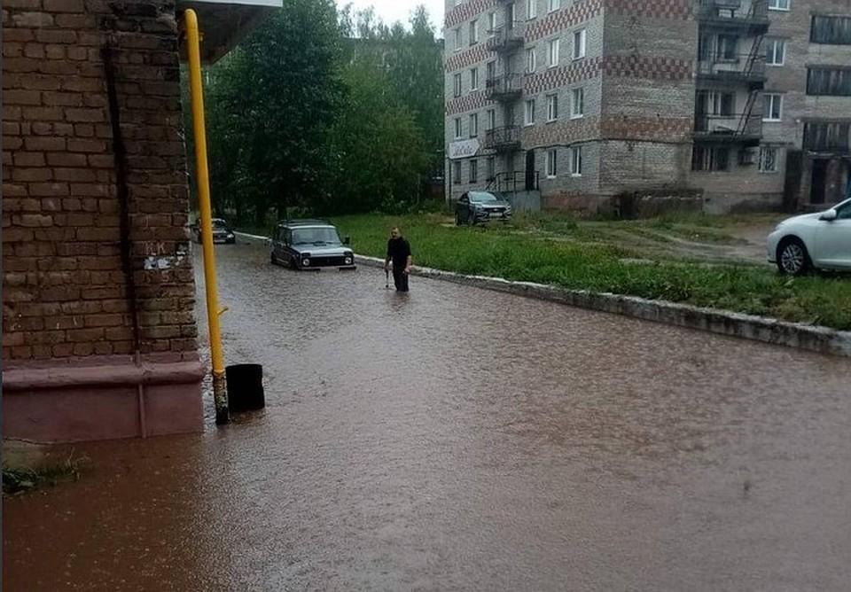 Затопленный двор Соликамска. Фото: t.me/SluhovoiAnalizator