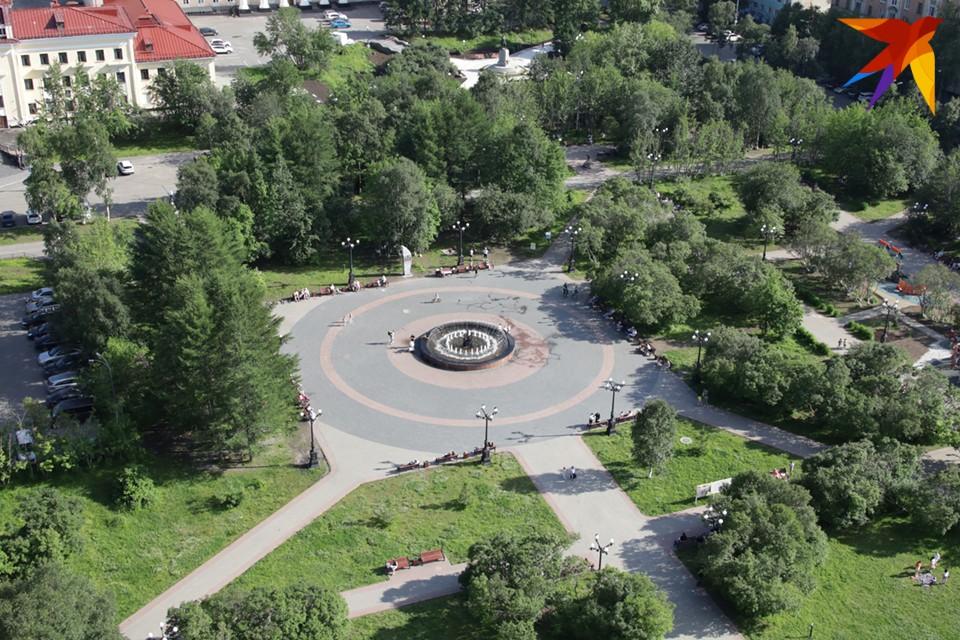Центр городского развития Мурманской области разместил на портале госзакупок тендер на создание нескольких парклетов - это небольшие зоны отдыха в крупных городах, которые являются продолжением тротуара.
