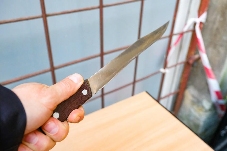 Житель Купчино зарезал ночного хулигана, обидевшего его жену.
