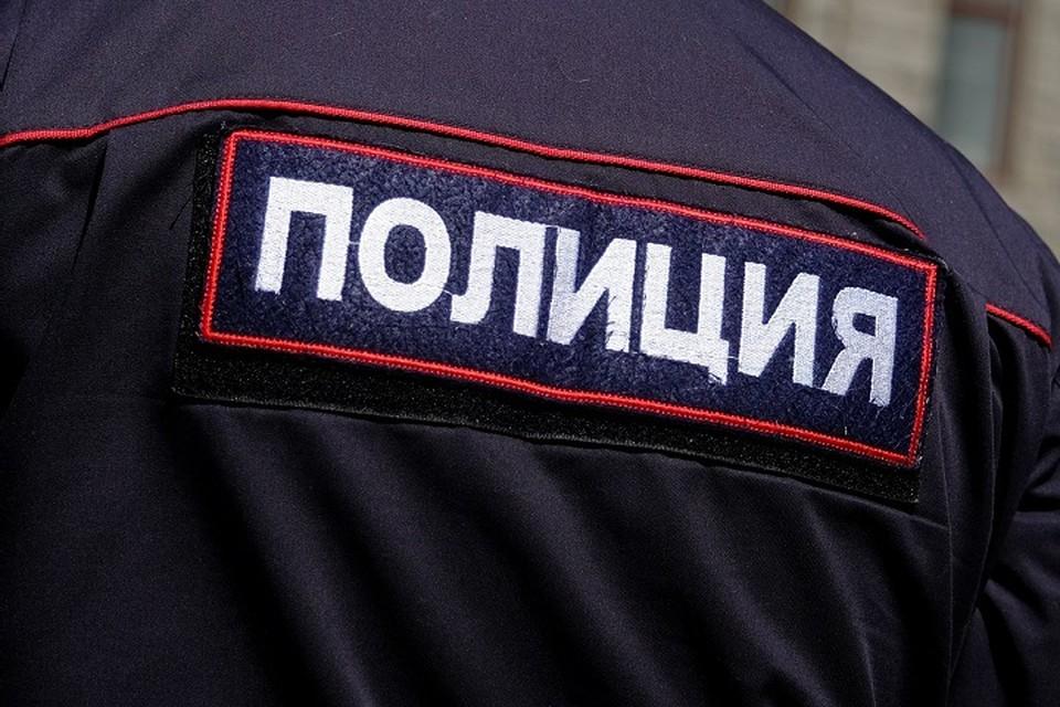 Тело в пленке нашли на балконе в Ломоносове.