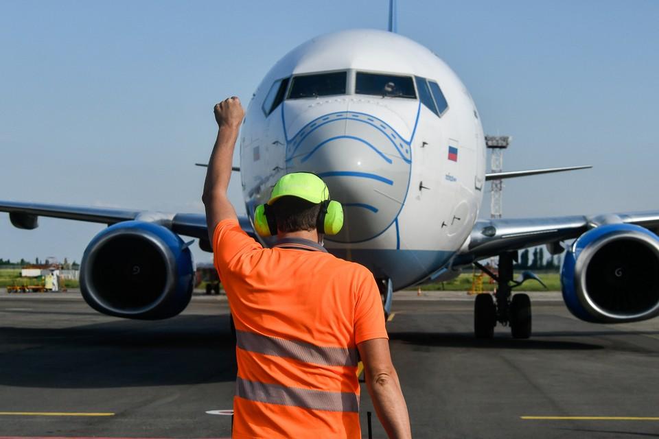 """Самолетом компании """"СиЛА"""" томичи должны были улететь сегодня, 17 июля, на север области. Однако аэропорт отменил эти рейсы."""