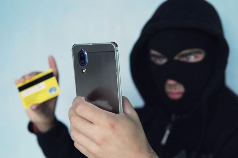 С начала года мошенники похитили с банковски карт жителей Молдовы почти 9 миллионов леев (Фото: Shutterstock.com).