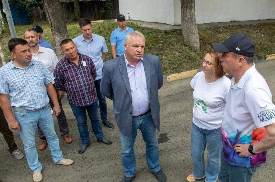 Нуждающимися в текущем ремонте в Сахалинской области признаны более 850 придомовых территорий