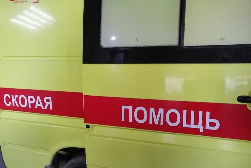 Три человека попали в больницу.