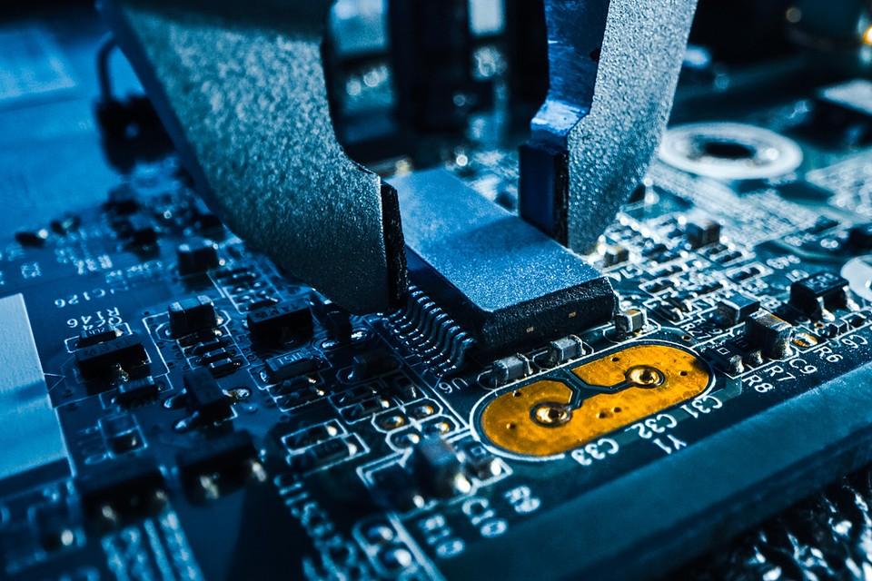 Наибольшую активность в экспортном направлении в первом квартале 2021 года проявили производители микроэлектроники