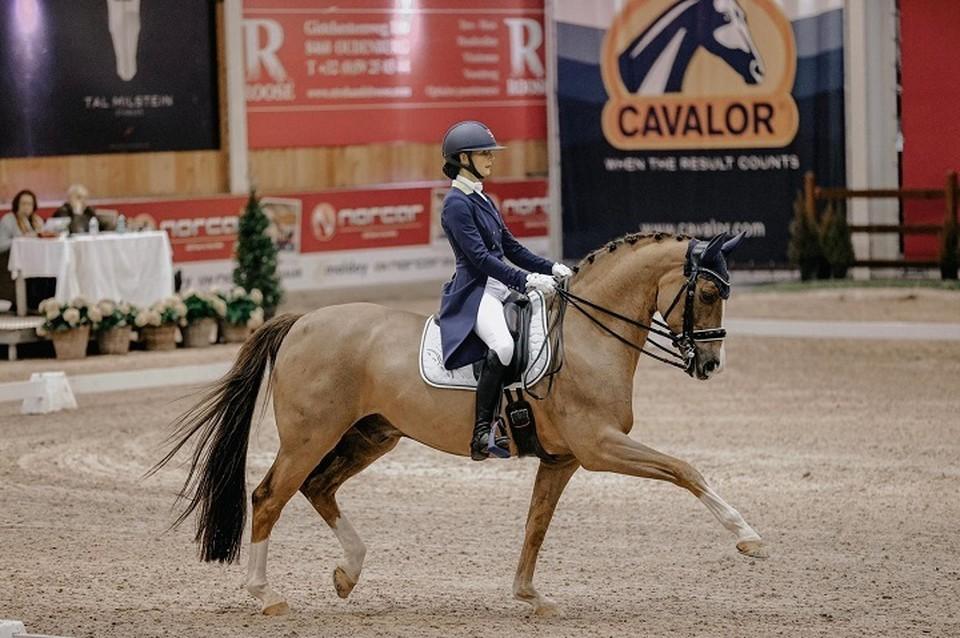 До конного спорта Александра занималась и художественной гимнастикой, и плаванием, но с самого детства очень любила животных. Фото: из личного архива спортсменки