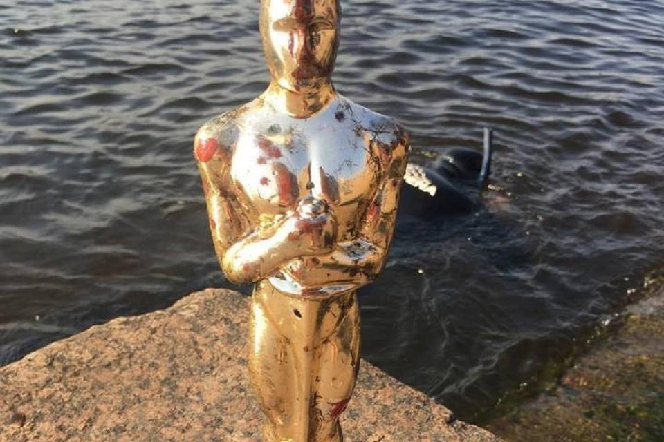 "Со дна Невы подняли статуэтку ""Оскар"""