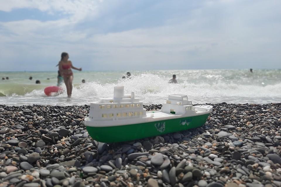 Статистика турпотока и забоелваемости коронавиурсом в Крыму идут параллельным курсом