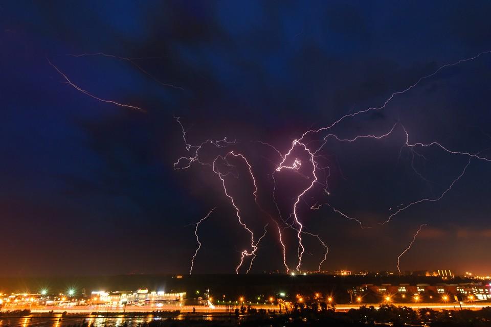 20 июля в Брянской области ожидают грозы и порывистый ветер.