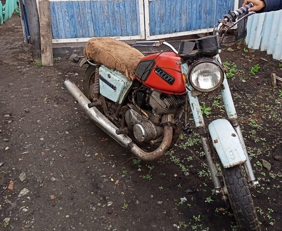 Воришки продали мотоцикл его же хозяину, даже не подозревая об этом.