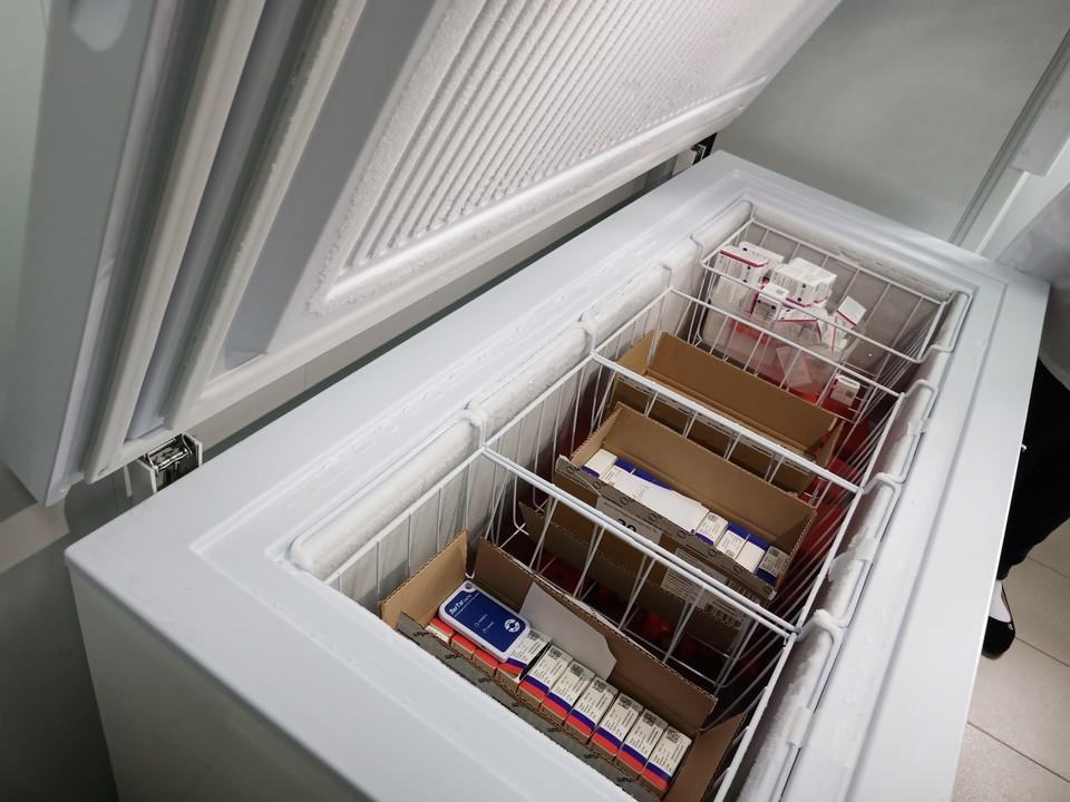 Вакцина на складе должна храниться в морозильном оборудовании