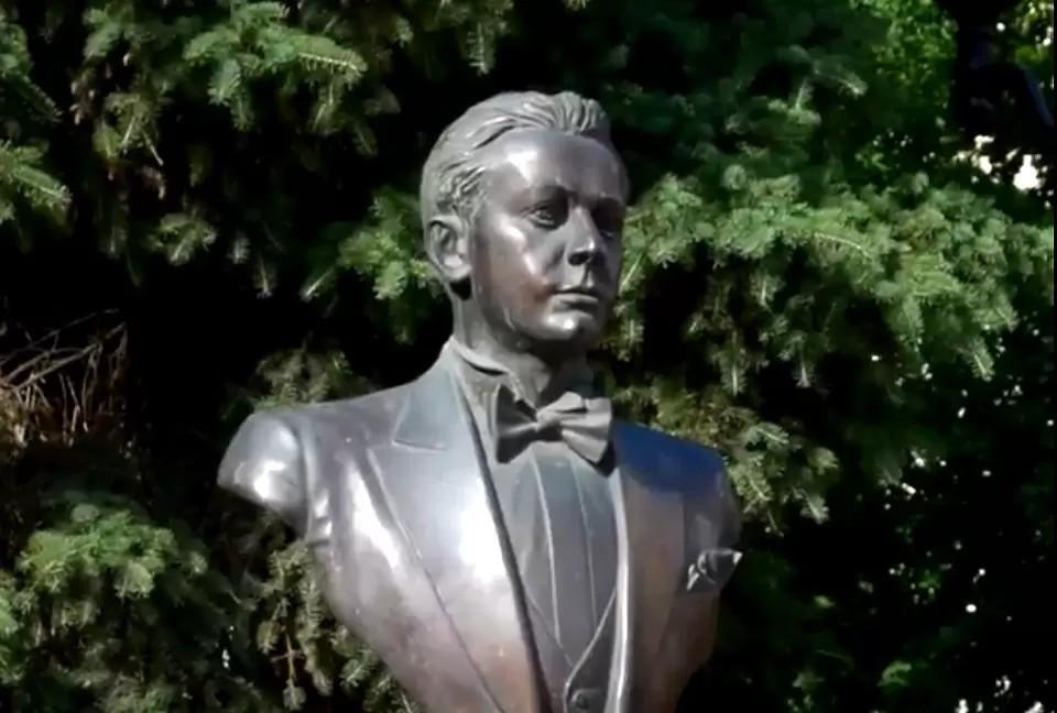 Памятник нашему земляку, великому оперному певцу Сергею Лемешеву в Твери. Фото: FB/администрация Твери