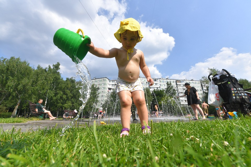 Третий день столбики термометров показывают рекордно высокие значения для июля