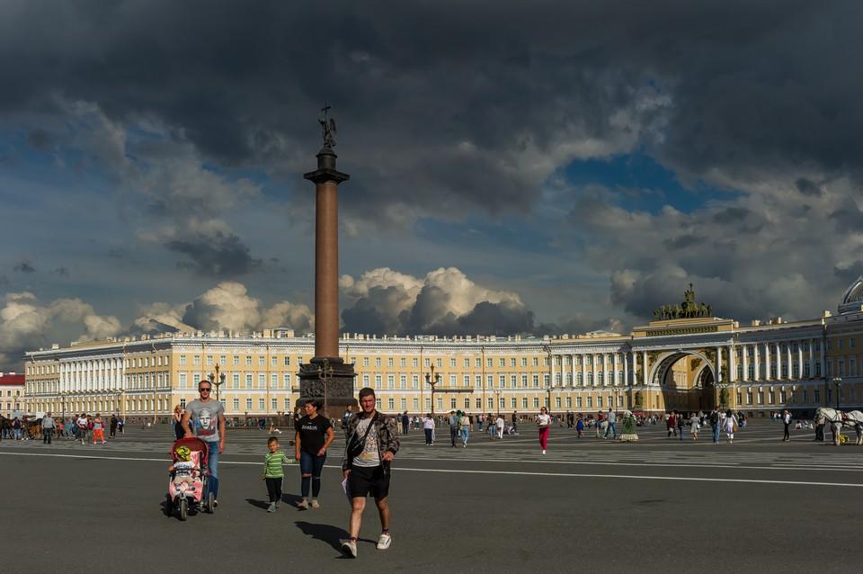 Дождь и сильный ветер накроют Петербург 22 июля